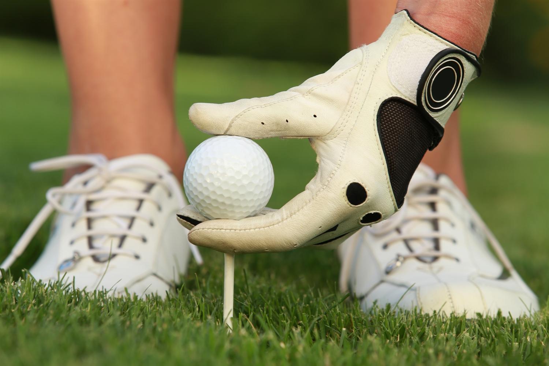 Was gehört in eine golfausrüstung?